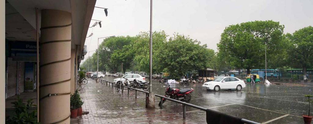 0019-1 雨の朝