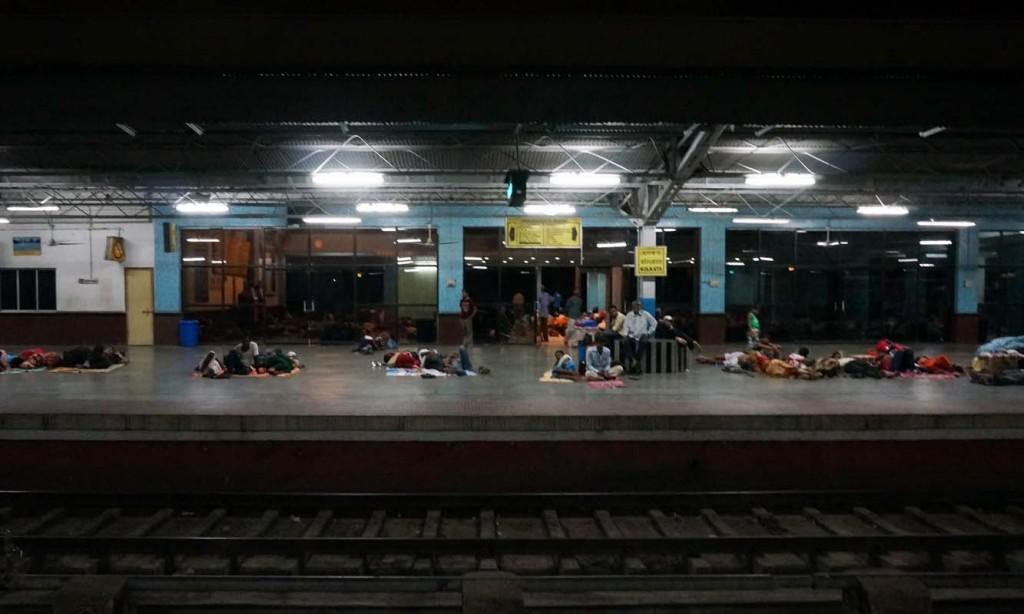 コルカタ駅